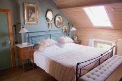 blauwe kamer bed.jpg